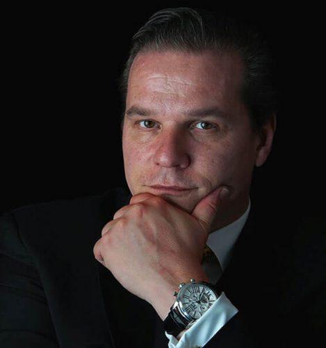 Dr. Emmanuel Morakis